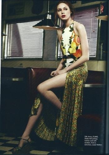 Karen Gillan Marie Claire Magazine foto shoot