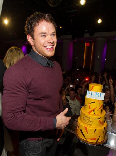 Kellan Lutz's Pre-Birthday Vegas Celebration [PHOTOS]