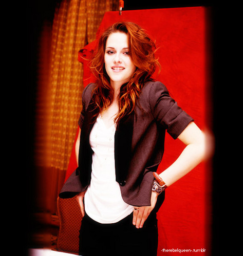 Kristen Stewart wallpaper possibly with a well dressed person, a hip boot, and a legging called Kristen Stewart