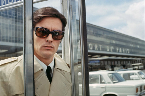 Alain Delon wallpaper with a business suit entitled Le Clan des Siciliens