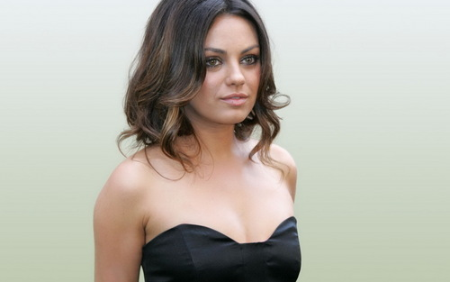Mila Kunis achtergrond probably containing attractiveness and a portrait called Mila <3