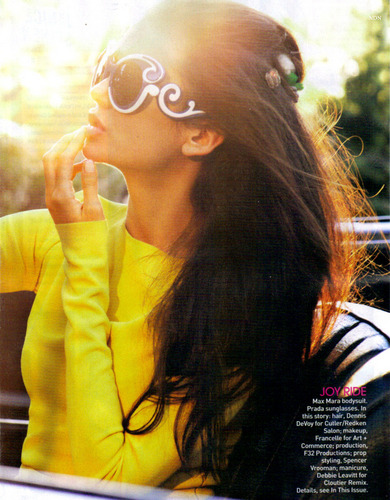 Nina in 'Teen Vogue' - Magazine Scans! [April 2011]