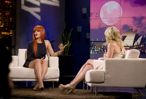 Rihanna - Chelsea Lately دکھائیں - 10.03/2011