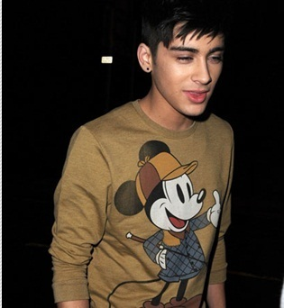 Sizzling Hot Zayn Wearing Another Mickey maus Top! (Enternal Liebe 4 Zayn & Always Will 100% Real x