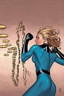 Superheroine: Invisible Woman