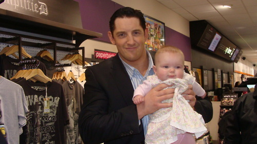 Wade Barrett with his youngest অনুরাগী