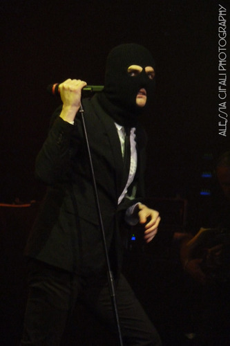 My Chemical Romance Hintergrund containing a ski mask called gee way