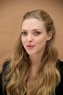 """05.3.11: """"RED RIDING HOOD"""" PRESS CONFERENCE"""