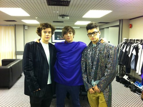 1D = Heartthrobs (Flirt Harry, Funi Louis & Hot Zayn Backstage Of Live Tour Rare Pic! 100% Real :) x