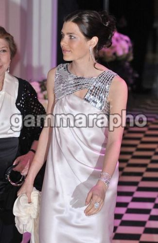 Prinzessin charlotte Casiraghi Hintergrund probably with a abendessen dress and a portrait titled 2010 Monte Carlo Rose Ball
