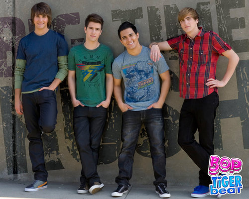 Big Time Rush wallpaper containing a pantleg entitled BTR