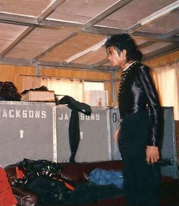 Bad tour backstage <3