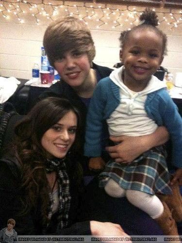 Caitlin& Justin - justin-bieber-and-caitlin-beadles Photo