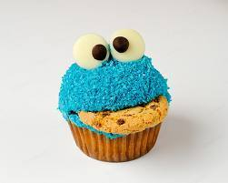 कपकेक वॉलपेपर probably containing a कप केक called Cupcakes!! (>' - ' )>