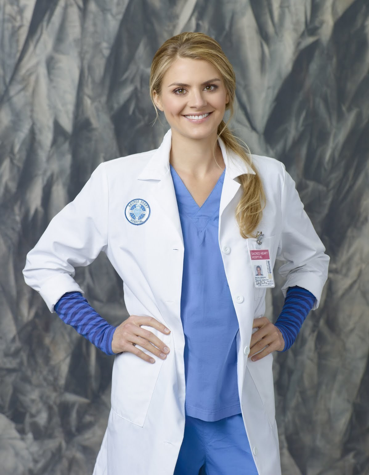 Dr Denise Mahoney images Eliza Coupe as Dr Denise Mahoney ~ Season 9 Promotional Photoshoot HD wallpaper and background photos