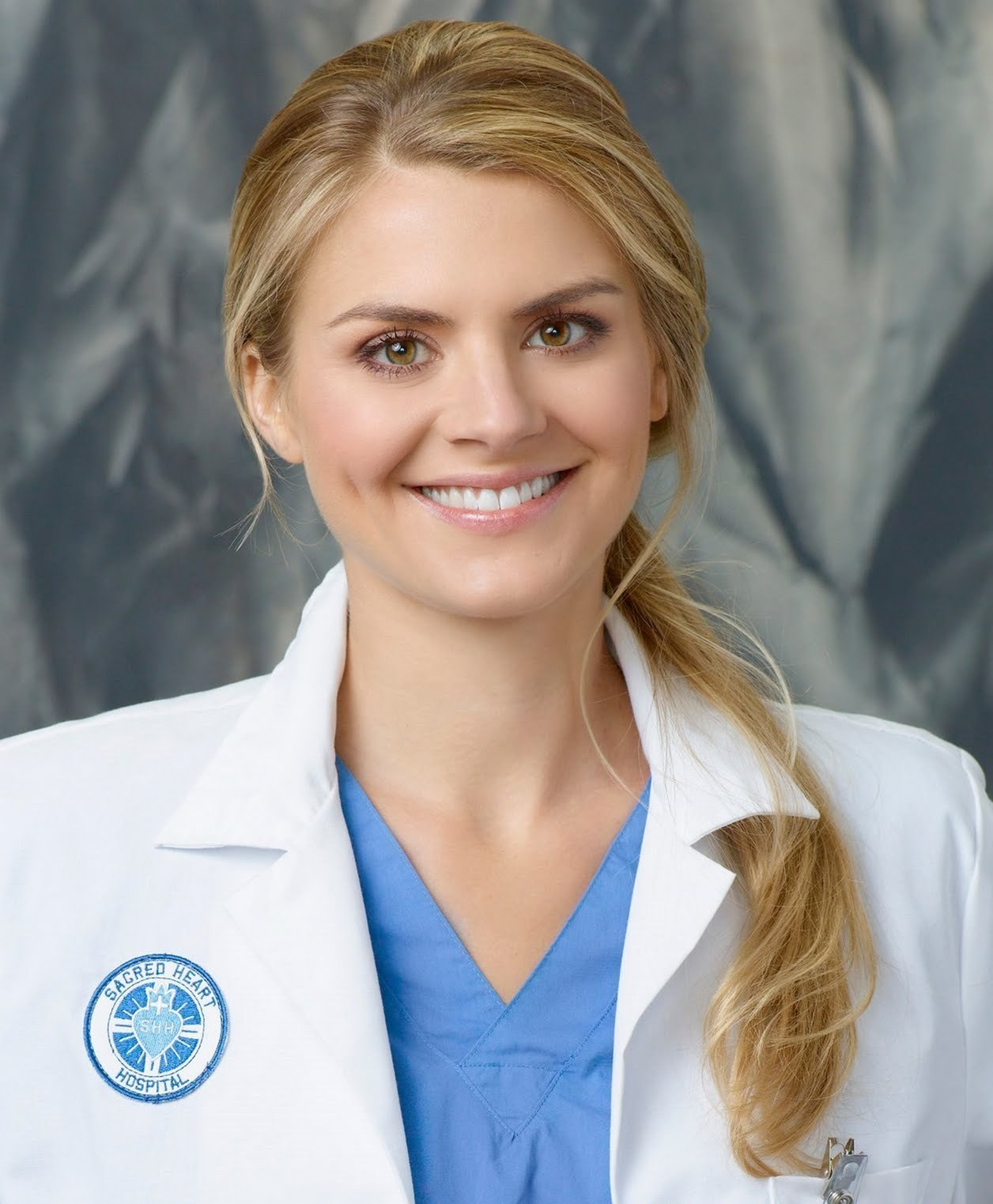 eliza-coupe-scrubs