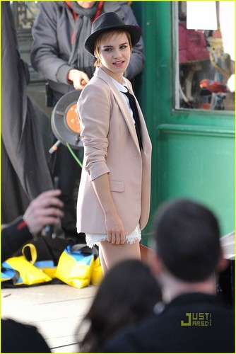 Emma Watson: Lancome Campaign at Shakespeare and Co.!