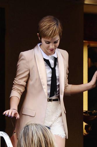 Emma filming a Lancomé Campaign in Paris
