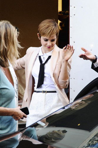 Emma filming a Lancomé Campaign in Paris