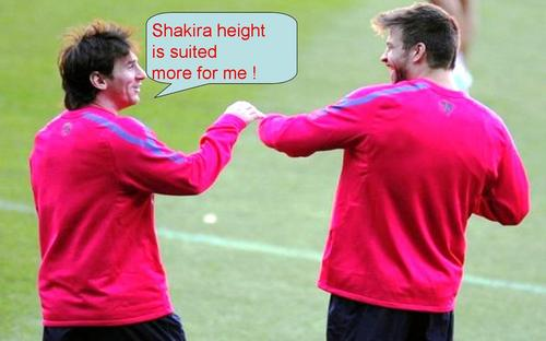 Funny Messi: shakira height is suited más for me !