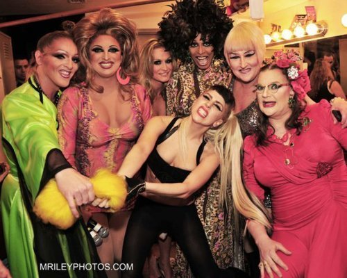 Gaga with drag queens