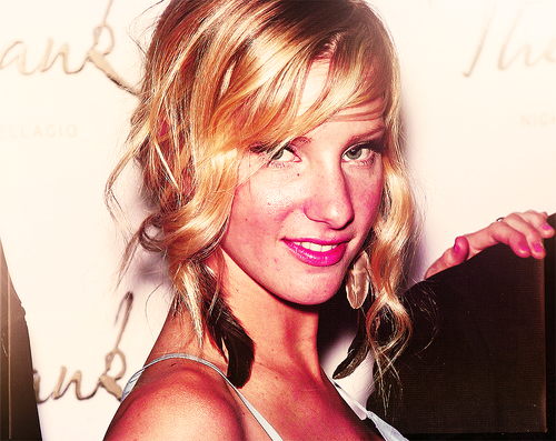 Heather Morris wallpaper with a portrait titled Heather M.