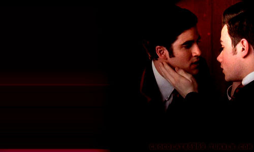 Glee wallpaper containing a business suit titled Klaine Kiss <3