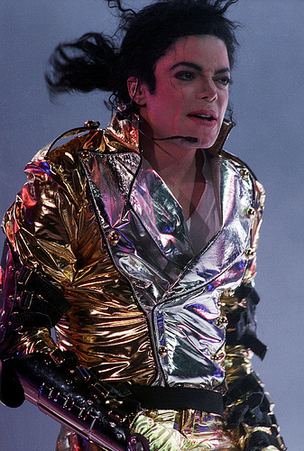 michael jackson biography article