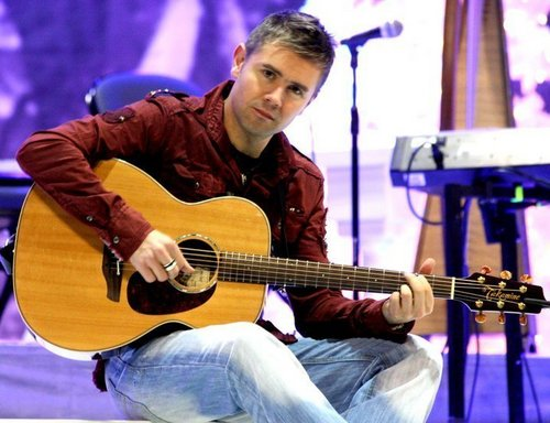 Neil Byrne wallpaper containing an acoustic guitar and a guitarist entitled Neil
