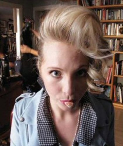 New/Old các bức ảnh of Candice BTS of her Nylon Guys photoshoot! (December 2009).
