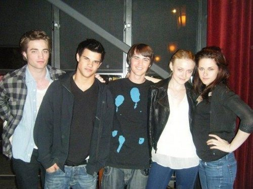 Old/New Photo: Rob/Kristen with Dakota Taylor and Cameron