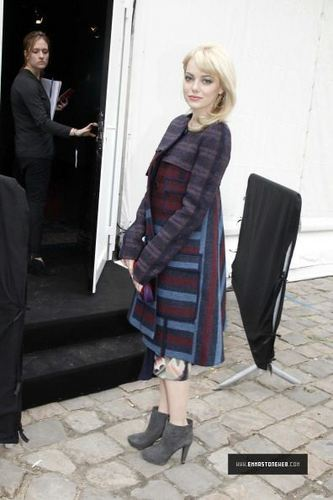 Paris Fashion Week Louis Vuitton Show (March 9th, 2011)