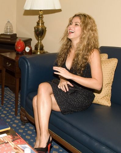 Шакира with heels