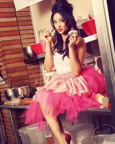 Shay Mitchell wallpaper possibly containing a hoopskirt entitled Shay<3