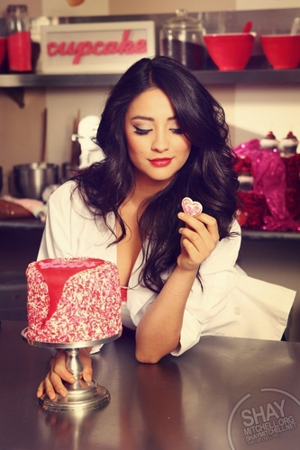 Shay Mitchell wallpaper possibly with a gumdrop and a bouquet titled Shay<3
