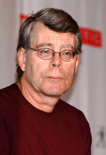 Stephen King wallpaper probably with a jersey and a portrait called Stephen King