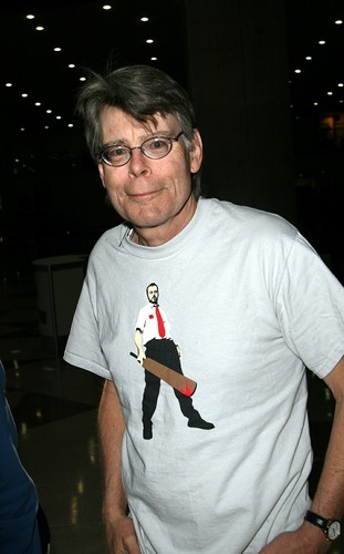 Stephen King 壁纸 with a jersey called Stephen King