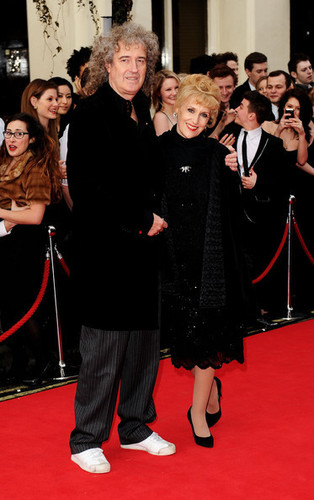 The Olivier Awards 2011 - Arrivals