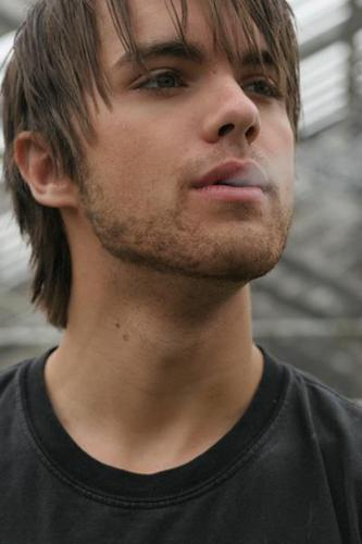 Thomas Dekker as Adam - the-secret-circle-tv-show Photo