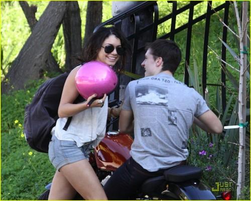 Vanessa Hudgens: Bike Ride with Josh Hutcherson!