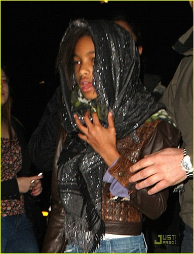 Willow Smith: Indian comida with the Family