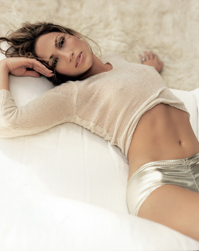 Jennifer Lopez wallpaper with skin called on the 6 photoshoot