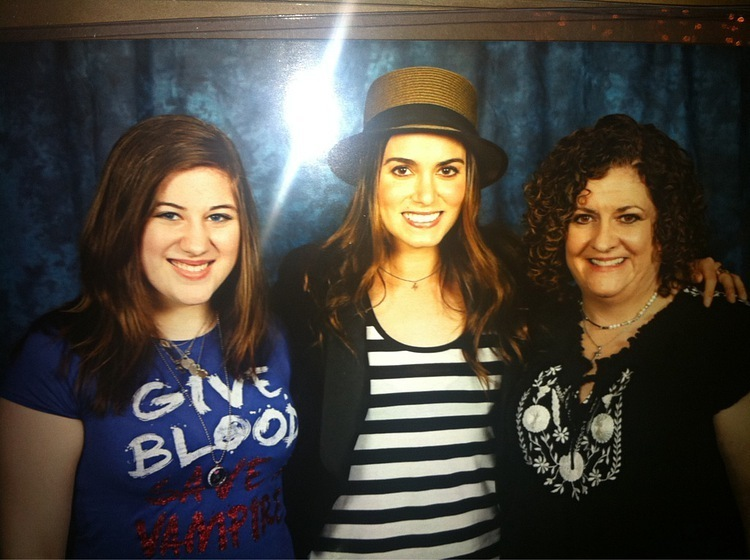 Amazing foto fan with Nikki Reed at TwiCon in Nashville