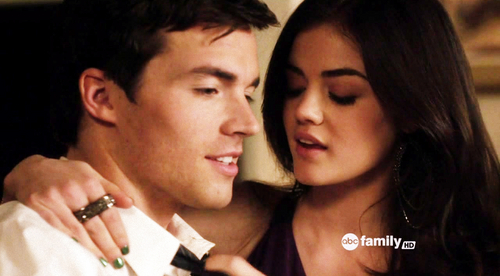 Ezra & Aria wallpaper containing a portrait entitled Aria/Ezra♥