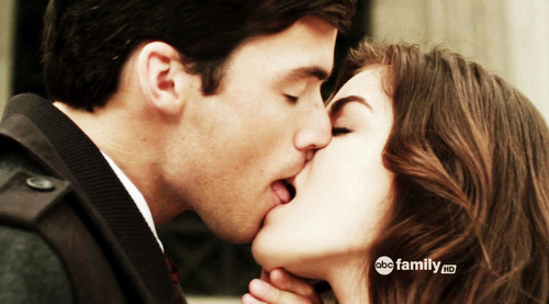 Aria/Ezra♥ - ezra-and-aria Photo
