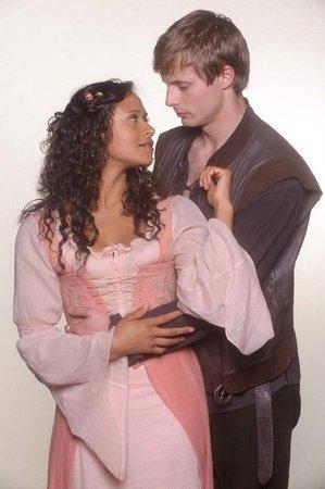 Arthur and Gwen Queen of Heartts <3