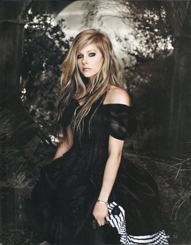 Avril Lavigne-Demi Magazine 2011