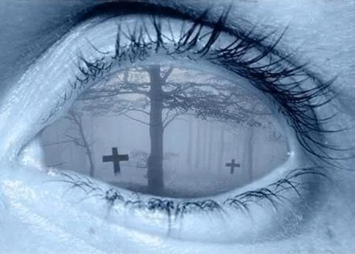 Graveyard eye - eyes Photo