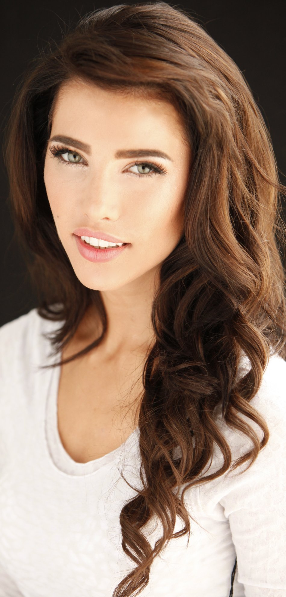 Jacqueline MacInnes - Photo Set