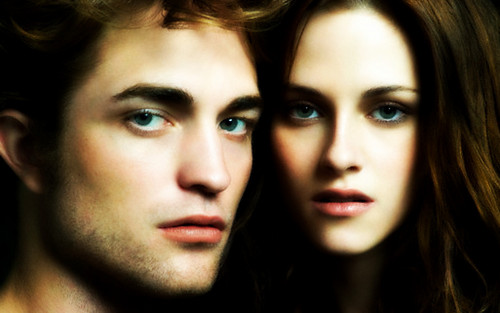 Edward and Bella wallpaper with a portrait titled Love<3